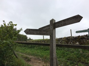 1107-pennine-way-signpost-with-fifths