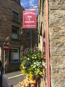 1111-pennine-way-laundrette